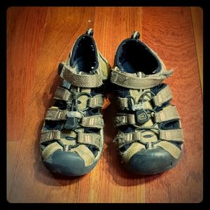 KEEN Army Green Sandals for Toddler - sz 11